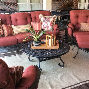 Modelo de patio clásico, de tamaño medio, en patio trasero y anexo de casas, con cocina exterior y adoquines de piedra natural