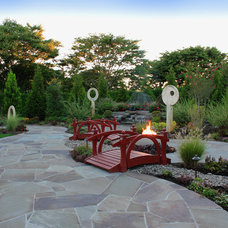 Traditional Patio by Green Island Design