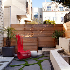 Contemporary Patio by Siol