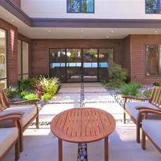 Modern Exterior by Greico Designers/Builders Dallas
