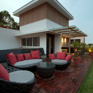 Inspiration for a contemporary patio remodel in Mumbai