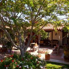 Traditional Patio Hacienda de Diego