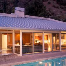 Modern Patio by Belzberg Architects