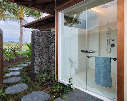 douche ext rieure avec des pav s en b ton photos et. Black Bedroom Furniture Sets. Home Design Ideas
