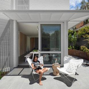 Foto di un patio o portico scandinavo