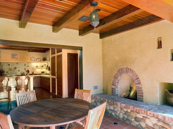 Mediterranean Patio by Cody Anderson Wasney Architects, Inc.