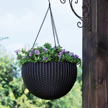 Hanging Planter Set of 2 Resin Rattan Planters by Keter, Brown