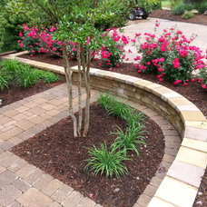 Traditional Patio by RANSONE'S NURSERY & MAINTENANCE INC