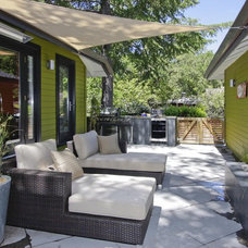 Contemporary Patio Hardy Group Builders