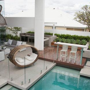 Immagine di un patio o portico contemporaneo con nessuna copertura