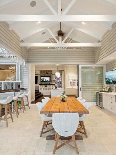 Beach Style Patio by Saunders Building Company Pty Ltd