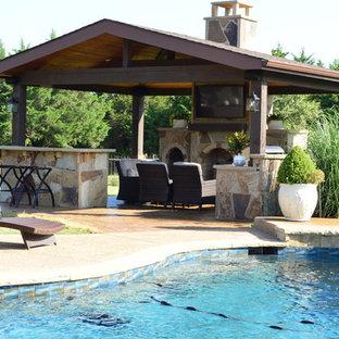 Idée de décoration pour une grande terrasse et balcon sud-ouest américain.