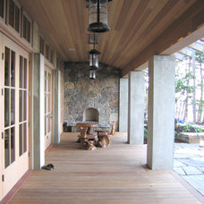 Rustic Patio by Bosworth Hoedemaker