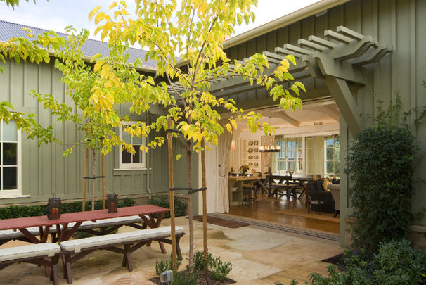Contemporary Patio by JMA (Jim Murphy and Associates)