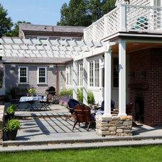 Farmhouse Patio by KISTLER & KNAPP BUILDERS