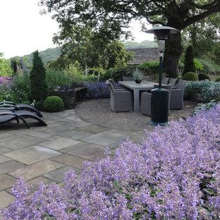 Foto di un patio o portico country
