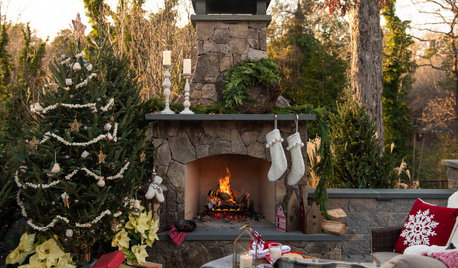 Show Us Your Outdoor Holiday Decorations!