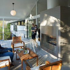 Midcentury Patio by Design Platform