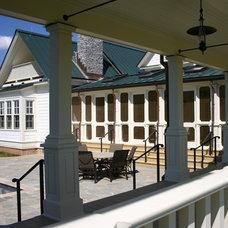 Farmhouse Patio by Eric Stengel Architecture, llc