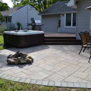 Example of a classic patio design in New York