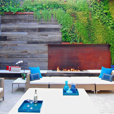 Modern Patio by Horst Architects