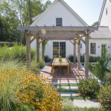 Farmhouse Patio by Beinfield Architecture PC