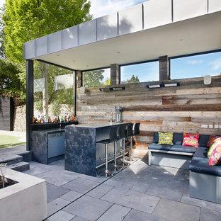 Photo of a contemporary patio in Dublin.