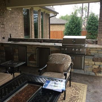 Houston Outdoor Kitchen With Unique Mix of Stone