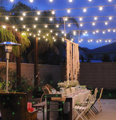 eclectic patio HOUZZ Holiday Contest: A Pretty Backyard DInner Party