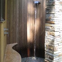 outdoor bathrooms showers