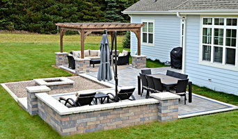 Hubertus Outdoor Patio and Living Area