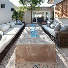 Transitional Patio by Anders Lasater Architects