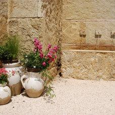 Mediterranean Patio by Archiverde Landscape Architecture