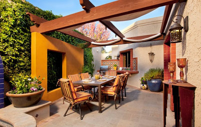 Patio Details: Sliding Fabric Panels Filter the Light Just Right