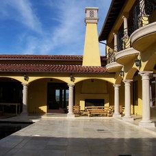 Mediterranean Patio by Studio 2G Architects