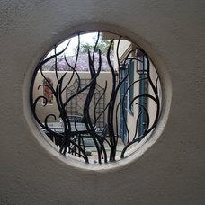 Eclectic  by Jolee Horne Landscape Design