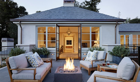 10 Things to Know About Buying a Fire Pit for Your Yard