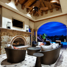 Patio by JAUREGUI Architecture Interiors Construction