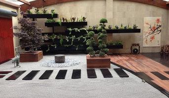 Jardín interior Clínica Estomatológica Oviedo