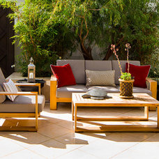 Modern Patio by D for Design