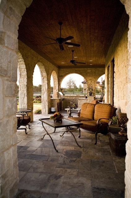 Traditional Patio by Glendarroch Homes