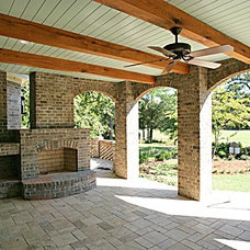 Traditional Patio by Hood Herring Architecture Pllp