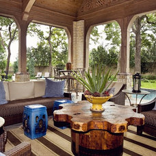 Traditional Patio by kelley hall