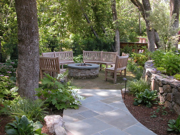 Contemporary Patio by Avant Garden