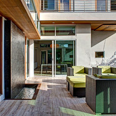Contemporary Patio by DIGBAR interiors & architecture