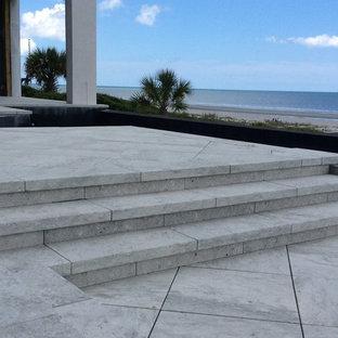 Foto de patio marinero, grande, sin cubierta, en patio trasero, con adoquines de hormigón