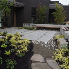 Traditional  by Williamson Landscape Architecture, LLC