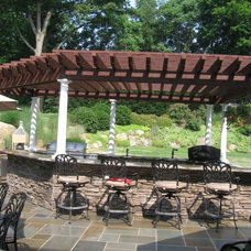Traditional Patio by Designscapes