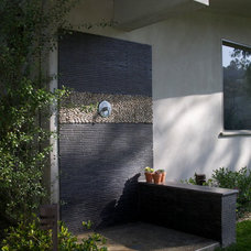 Contemporary Patio by katie moss landscape design