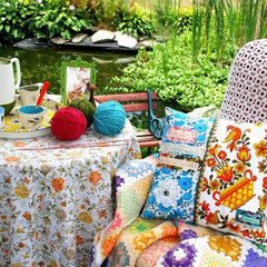 eclectic patio Knit Nook